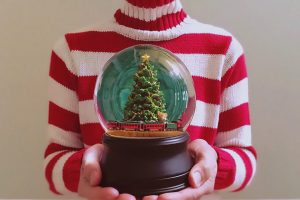christmas-snowglobes-9